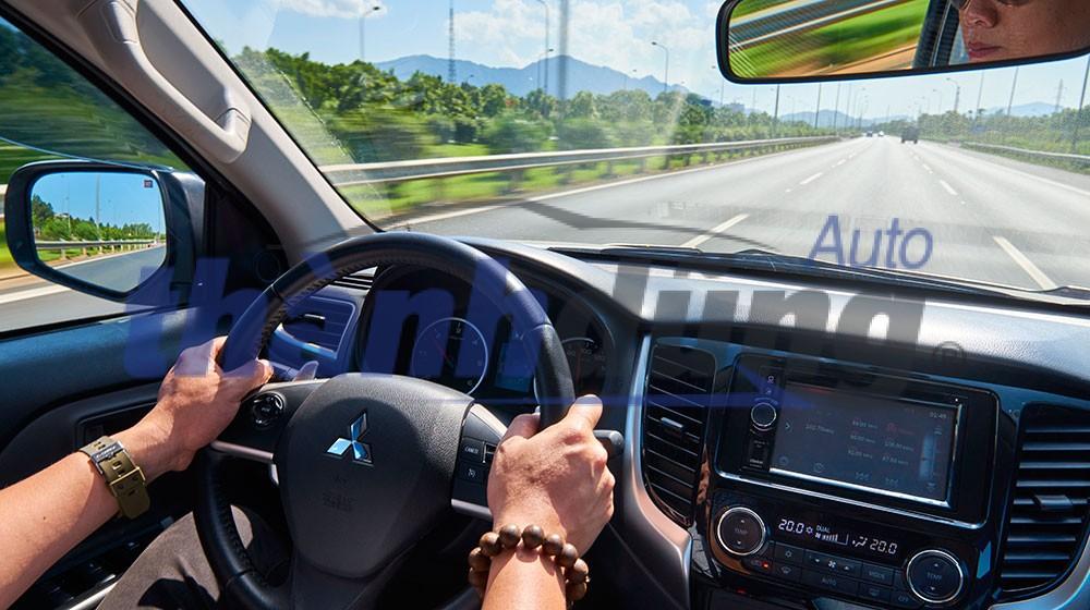 Lưu ý sử dụng hệ thống gương trên xe ô tô Hyundai