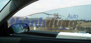 Cách bảo vệ cửa kính ô tô trong thời tiết ẩm ướt, mưa nhiều