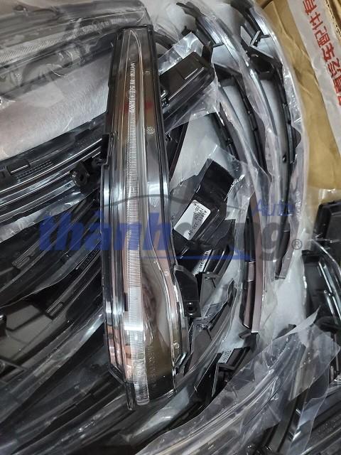 XI NHAN GƯƠNG MERCEDES C200, C250, C300 W205